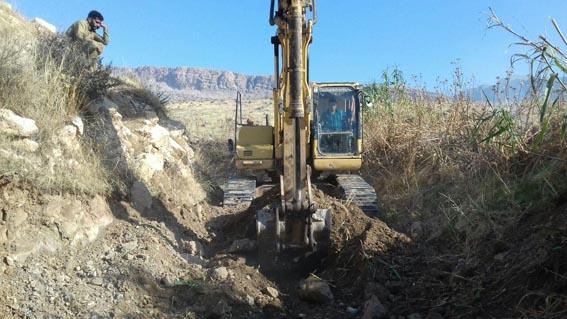 لایروبی و رفع انسداد  دو دهنه پل روستای داوودی ( رودخانه کمیش ) حومه شهرستان هرسین